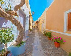 Σύρος: Χρώματα και αρώματα Greece Islands, Greece Travel, Where To Go, Places To Visit, Sidewalk, Country, Deep Blue, Crafts, Pictures