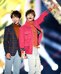 Image uploaded by Cathy Phan. Find images and videos about SHINee, Jonghyun and Onew on We Heart It - the app to get lost in what you love. Shinee Jonghyun, Lee Taemin, Minho, K Pop, Shinee Five, Shinee Debut, Lee Jinki, Kim Kibum, Korean Beauty