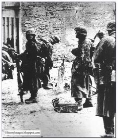 Waffen SS soldiers at Kharkov 1943