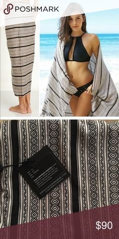 NWT Acacia Kuau Pareo NWT Pareo in Polynesia. Please ask questions before purchasing. Mahalo 🌺 #acaciaforsale #curvyacacia #acaciaiso acacia swimwear Accessories
