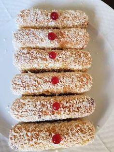 Γεμιστά Σαβαγιάρ όνειρο !!! Cookbook Recipes, New Recipes, Cooking Recipes, Greek Sweets, Biscuits, Diy And Crafts, Food And Drink, Candy, Cookies