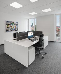 Ergonomischer bürostuhl holz  Lifttisch, ergonomischer Bürostuhl, Beleuchtung, teppichboden ...