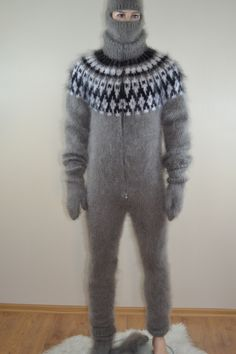 Mens sweater bodysuit double opening zipper socks gloves ski cap ***I'm thinking this is probably the winner? Thick Sweaters, Hand Knitted Sweaters, Mohair Sweater, Men Sweater, Catsuit, Gros Pull Mohair, Woolen Dresses, Angora, Knitting Designs