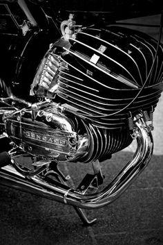 Klassieke motorfiets 1 cilinder tweetakt