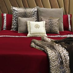 Roberto Cavalli  Leopard Border Duvet Set - Super King - Red ($705) ❤ liked on Polyvore featuring home, bed & bath, bedding, duvet covers, red, red duvet cover set, animal bedding, red bedding, red pillow cases and red duvet sets