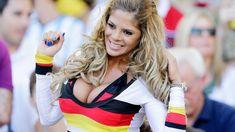 Germania-Argentina, quella tifosa che distrae i fotografi. Hot Football Fans, Football Girls, Soccer Fans, Humour Foot, Hot Fan, Russia 2018, International Football, Hot Cheerleaders, Soccer World