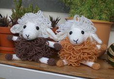 Curly the sheep by Kerstin Batz.  Free pattern.  Crochet, toys, amigurumi, craft