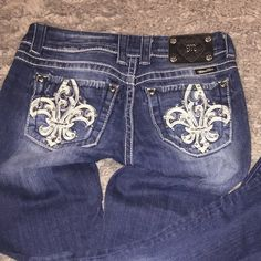 Fleur de Lis Miss Me Jeans. Great Condition. Only worn Twice, if that. Miss Me Jeans Boot Cut