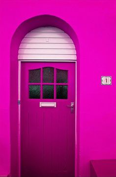 Pink doorway, curved, colourful, lovely, Magenta door and wall Magenta, Pink Purple, Cool Doors, Unique Doors, Gazebos, Pink Houses, Everything Pink, Closed Doors, Door Knockers