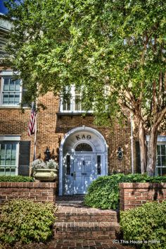 The Delta Omicron chapter of Kappa Alpha Theta at the University of Alabama.