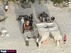 """5 Reasons Johnny Depp's Wedding Will Make You Want to Get Married on an Island 