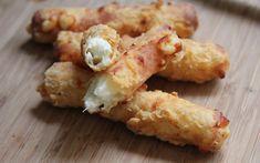 křupavé mozzarelové tyčinky nebo kuličky(kys.smetana,chilli omáčka,vejce,mouka)