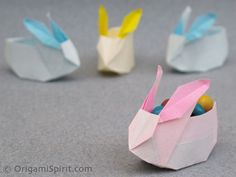 I think these origami bunny boxes at Origami Spirit are so cute and a great way to decorate for spring or Easter. Origami can always be a little tricky so you may want to practice a few times before showing. Kids Crafts, Easter Crafts, Craft Projects, Spring Crafts, Holiday Crafts, Holiday Fun, Origami And Kirigami, Oragami, Origami Video