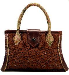 Handbags #crochetbag #handmadebag ♪ ♪ ... #inspiration #crochet #knit #diy GB http://www.pinterest.com/gigibrazil/boards/
