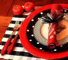 Love the Red,Black and White Dishes...
