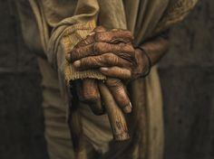 Picture of the worn hands of an elderly man from Bangladesh