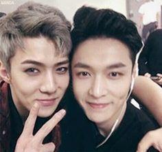 Sehun and Lay.omg they luk so CUTE! Sehun And Luhan, Chanyeol, Yixing Exo, Types Of Boyfriends, Photoshoot Pics, Kim Minseok, Exo Korean, Exo Ot12, Exo Members