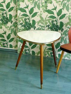 Vintage Tische - Tisch Beistelltisch Nierentisch 50er 60er Vintage - ein Designerstück von MidCenturyGlows bei DaWanda
