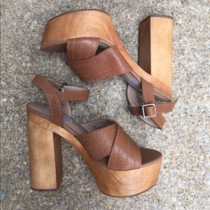 Steve Madden Cora Key shoe for spring and summer! Chunky wooden platform, block heel and adjustable ankle strap. New, never worn outside the store. Size 7.5 Steve Madden Shoes Platforms