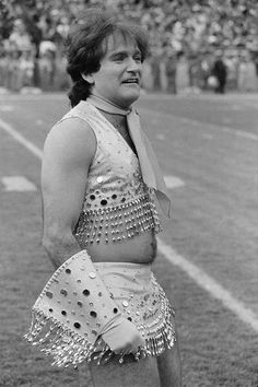 That Time Robin Williams Was A Denver Broncos Cheerleader... #DenverBroncos: That Time Robin Williams Was A Denver Broncos… #DenverBroncos