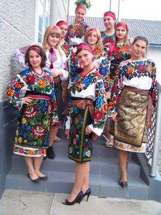 Stunning Ukrainian costumes!