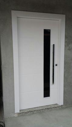 Porta pivotante com pintura laca P.U branco acetinado (Sayerlack) - Ecoville Portas Especiais