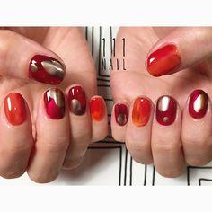 ◻️▫️⚪️◾️#nail#art#nailart#ネイル#ネイルアート #metalic#nuance#red#orange#aw#ショートネイル#nailsalon#ネイルサロン#表参道#nuance111#red111#aw111