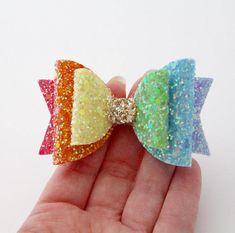 Approx inches Perfect for rainbow lovers Handmade Hair Bows, Diy Hair Bows, Diy Bow, Bow Hair Clips, Fabric Hair Bows, Newborn Hair Bows, Felt Hair Accessories, Bow Pattern, Felt Bows