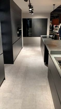 38 Elegant and Luxurious Kitchen Design Ideas - Top Five Suggestions for Designing a Luxury Kitchen Simple Kitchen Design, Kitchen Room Design, Luxury Kitchen Design, Contemporary Kitchen Design, Home Decor Kitchen, Interior Design Kitchen, Kitchen Ideas, Contemporary Kitchen Cabinets, Kitchen Layout