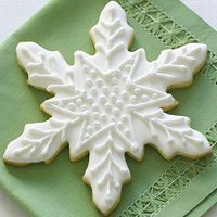 Gorgeous citrus snwflake : perfect for holiday dessert ! You'll find the recipe on Family circle !