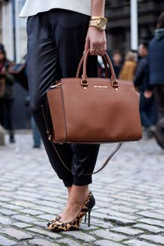 Which handbag brands are creating the most buzz online?