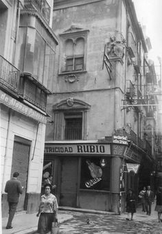 Murcia, Palace of Riquelme was still on the Jabonerias Street without demolishing. Are there any pictures taken on the 60's just before being demolished. Se conserva una fachada en el Museo Salzillo. Murcia: Business Center Metropolis Empire - Page 225