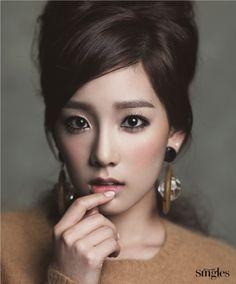 SNSD 'Taeyeon' retro look / Korean Concept Wedding Photography - IDOWEDDING (www.ido-wedding.com)