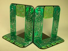 Old circuit boards become office products and household decorations - Page 6 - TechRepublic