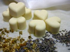 Fizzing Vegan Bath Melts // no artificial colours or fragrances, no preservatives