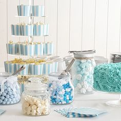 inspiration til drengedåb med den lækreste candybar Baby Shower Souvenirs, Picnic Theme, Baby Boy Christening, Baby Boy Birthday, Lets Celebrate, Baby Party, Holidays And Events, Baby Boy Shower, Baby Love