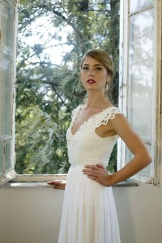 Romantic vintage inspired wedding gown Custom door MotilFineDesign