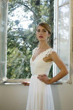 Romantic vintage inspired wedding gown, Custom made chiffon wedding dress, Ivory/White Wedding dress Bridal Gown custom size 4-6-8-10-12-14