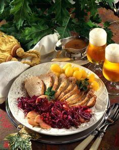 Unser beliebtes Rezept für Schweinerücken mit Apfel-Rotkohl und mehr als 55.000 weitere kostenlose Rezepte auf LECKER.de.