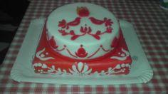 hungarian style decoration on cake
