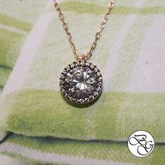 Rose Pırlanta Montürlü Etrafı Taşlı Tek Taş Kolye.  Besen Gümüş www.besengumus.com  #besen #gümüş #takı #aksesuar #rose #pırlanta #montürlü #etrafı #taşlı #tek #taş #tektaş #kolye #izmit #kocaeli #istanbul #besengumus #tasarım #moda #bayan  Fiyat Bilgisi ve Satın Almak İçin https://besengumus.com/kolye/rose-pirlanta-monturlu-etrafi-tasli-tek-tas-kolye-772174280.html  Sorularınız İçin Whatsapp 0 544 6418977 Mağaza 0 262 3310170