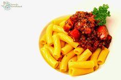 Linsonese mit Kurkuma-Nudeln (Pasta mit Linsenbolognese)