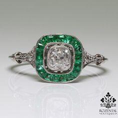 Rate this from 1 to Antiques Rings Rare Georgian Ct natural emerald and diamond three… Art Deco Emerald Ring - Antique Art Deco Emerald &… Antique Art Anel Art Deco, Bijoux Art Deco, Art Deco Ring, Art Deco Diamond, Art Deco Jewelry, Fine Jewelry, Jewelry Design, Art Deco Emerald Ring, Antique Rings