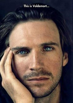 Looking good, Dark Lord… este hermoso actor fue quien interpretó a Lord Voldemort