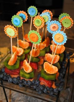 CUTE FOOD FOR BABY SHOWER | Cute baby shower food - like the idea of mini kabobs for fruit