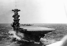American Aircraft Carriers, Uss Lexington, Navy Carriers, Heavy Cruiser, Navy Aircraft, Naval History, Military Photos, Flight Deck, United States Navy