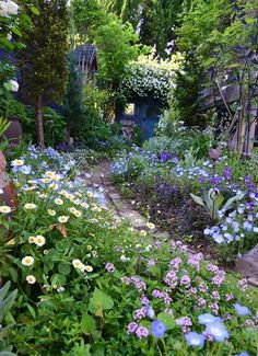 english garden 47 Beautiful Garden For Backyard Ideas Your Home Will Fresh To Breathing ~ Cottage Garden Plants, Cottage Garden Design, Garden Types, Garden Paths, Small Gardens, Outdoor Gardens, Beautiful Gardens, Beautiful Flowers, The Secret Garden