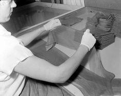 [Kvinne i arbeid på Janus Fabrikker] - Marcus Janus