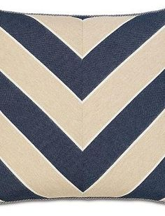 Add a nautical touch to your home with the Ryder Abbot Indigo Chevron Decorative Pillow that boasts a beautiful chevron design that's pleasing to the eye.