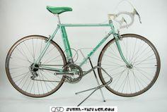 Steel Vintage Bikes - Bianchi Rekord 920 Celeste